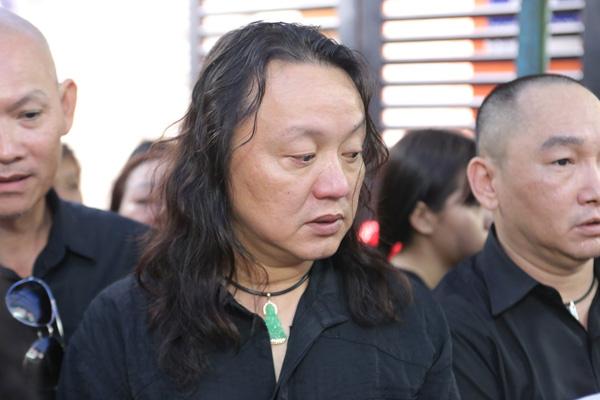 dong-nghiep-khoc-nuc-no-trong-phut-chia-ly-minh-thuan-4