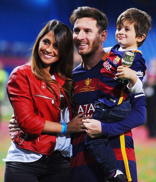 Theo The Sun, Messi và hai đồng đội là Suarez và Pique đồng loạt gửi con trai đầu lòng tới trường đào tạo dành cho các học viên nhí từ 3 tuổi