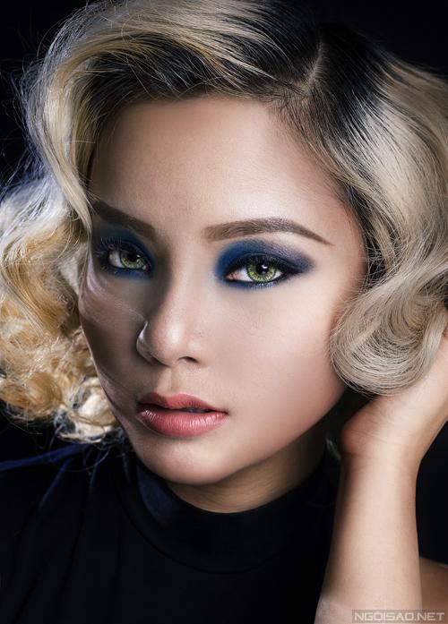 Bộ ảnh được thực hiện với sự hỗ trợ của Makeup & Hair: Lý Trường Giới, Model: Trâm