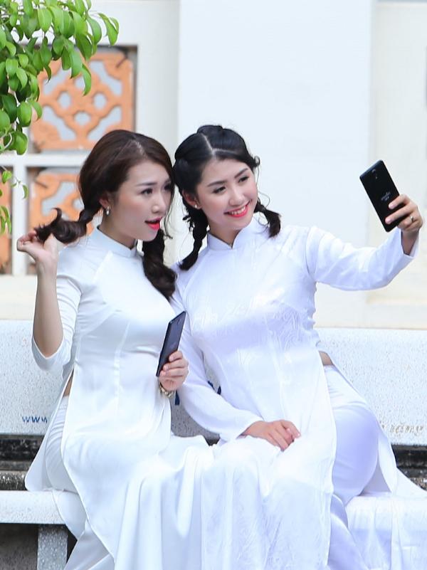 chon-smartphone-tablet-phu-hop-cho-gioi-tre-1