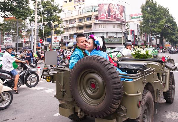 dj-wang-tran-gay-chu-y-khi-ruoc-dau-bang-xe-jeep-moto-co-10