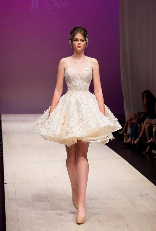 ha-kieu-anh-lam-vedette-o-canada-fashion-week-10