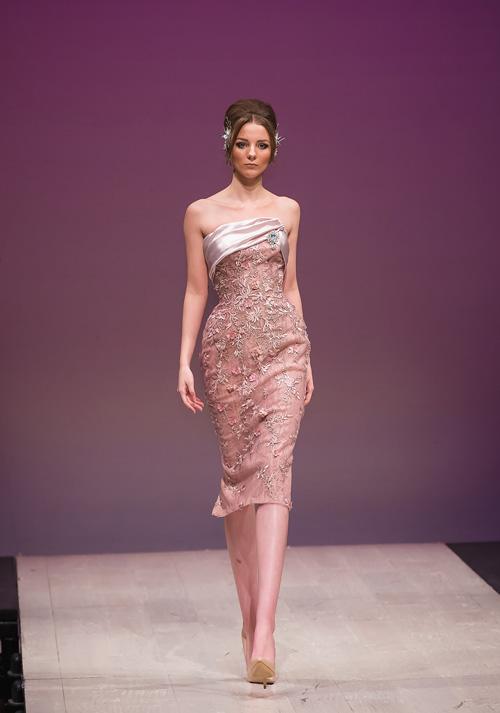 ha-kieu-anh-lam-vedette-o-canada-fashion-week-12