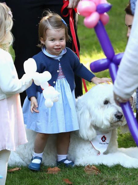 Đại diện của cặp vợ chồng hoàng gia cho biết họ rất vui khi có cơ hội giới thiệu hai con với người Canada, để chúng được vui đùa với những đứa trẻ khác khi có mặt ở đây.