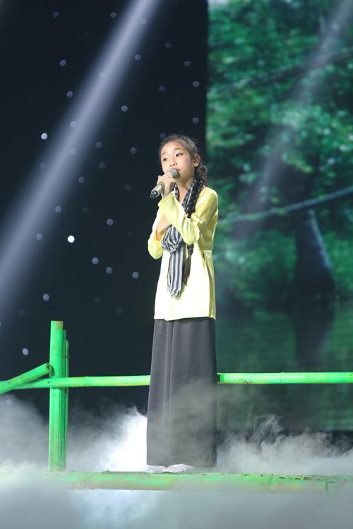 Vũ Đàm Thùy Dung đội Đông Nhi - Ông Cao Thắng khép lại liveshow 3 bằng liên khúc Cô gái mở đường - Em đi qua cầu cây.