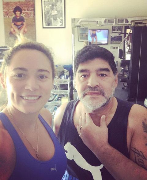 Maradona và vợ sắp cưới kém 30 tuổi, Rocio Oliva.