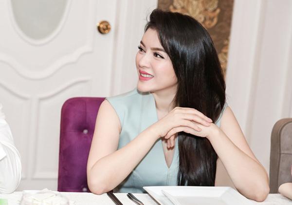 ly-nha-ky-khoe-khong-gian-phong-an-cua-biet-thu-dat-vang-4