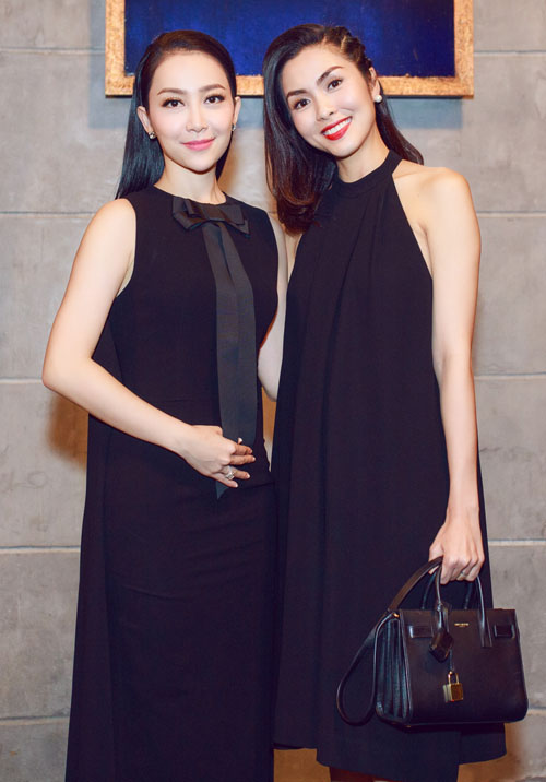 diện trang phục đen quyến rũ nằm trong bộ sưu tập mới nhất của NTK Đỗ Mạnh Cường