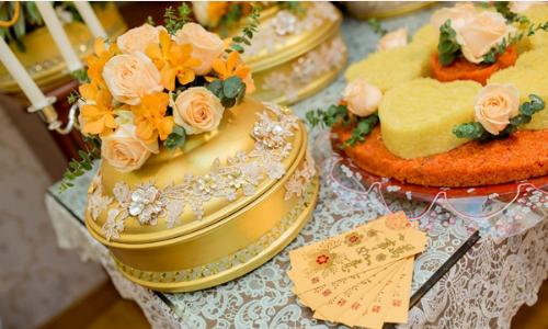 Tráp ăn hỏi màu nắng vàng của cặp đôi Hà Nội