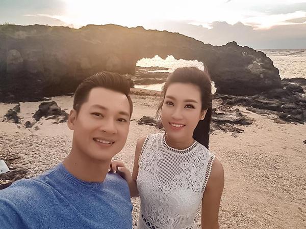 Đỗ Mỹ Linh đăng ảnh ở đảo Lý Sơn cùng ca sĩ Đức Tuấn: Mọi người đã dậy chưa ạ? Mới xa Lý Sơn mấy ngày mà nhớ quá.