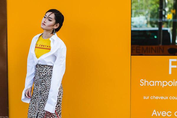 Bắt kịp xu hướng animal prints của Thu Đông 2016, bộ trang phục này của Miu đã được xuất hiện trong rất nhiều bài Street Style của các tờ báo lớn trên thế giới như Harpers Bazaar, Grazia, The Impression&