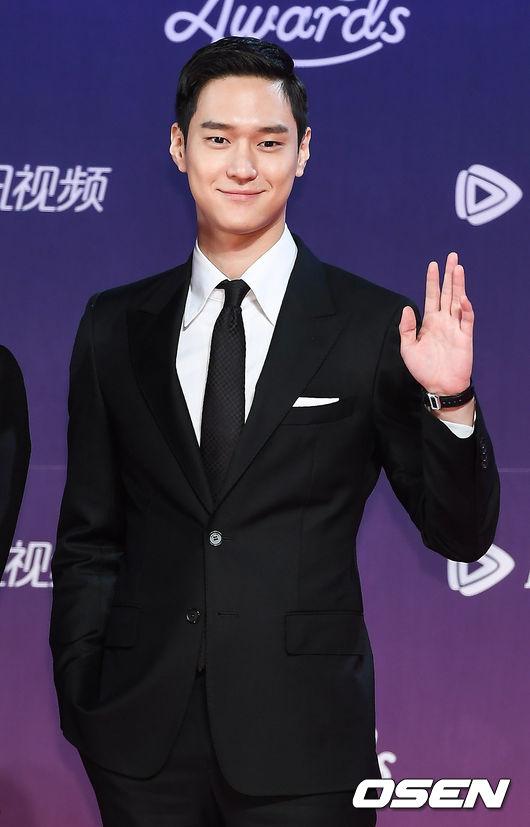 Góp mặt tại sự kiện tối nay có nhiều tên tuổi của màn ảnh, như diễn viênGo Kyung Pyo.