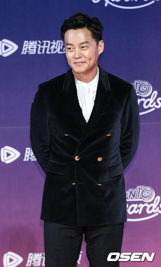 Nghệ sĩ Lee Seo Jin.