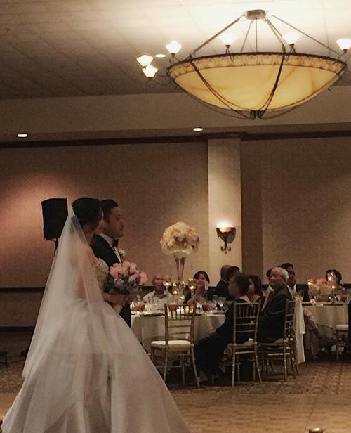 Victor Vũ và Đinh Ngọc Diệp làm lễ đính hôn hồi tháng 10/2015, sau đó tổ chức đám cưới vào 3/2016. Đám cưới của cặp đôi lúc đó được bảo vệ rất nghiêm ngặt, ngoài những vịkhách được chính vợ chồng Đinh Ngọc Diệp mời đến, giới truyền thông hay người hâm mộ rất khó tiếp cận.