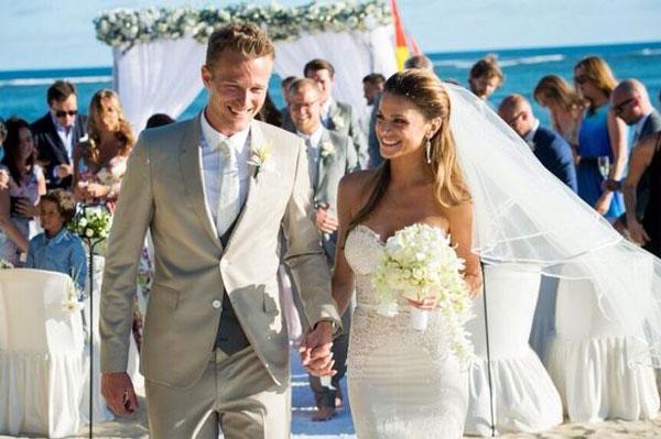 Thủ môn Lindegaard và Misse Beqiri rạng rỡ trong đám cưới ở