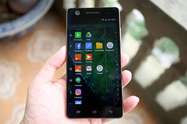 mo-hop-smartphone-gia-hon-ba-trieu-co-cam-bien-van-tay-9