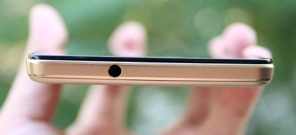 mo-hop-smartphone-gia-hon-ba-trieu-co-cam-bien-van-tay-6