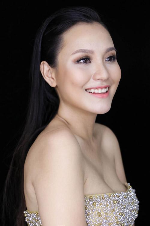 en-vang-khanh-ly-bien-hoa-voi-2-style-trang-diem-co-dau-1