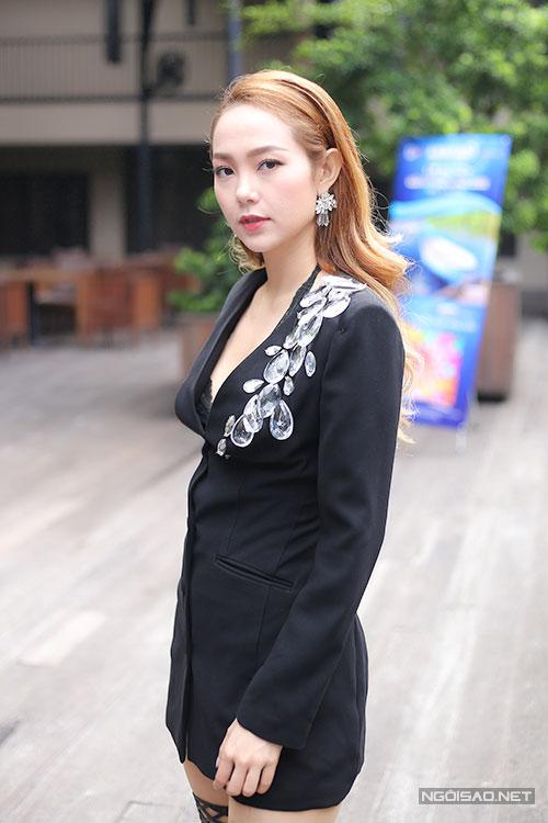 minh-hang-dien-vay-ngan-xe-co-sau-di-su-kien-1