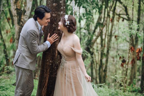 [Caption]Bà xã Cao Minh Đạt tên Thanh Trúc, làm việc trong ngành bảo hiểm. Cao Minh Đạt - Thanh Trúc đã yêu nhau hơn hai năm nay.