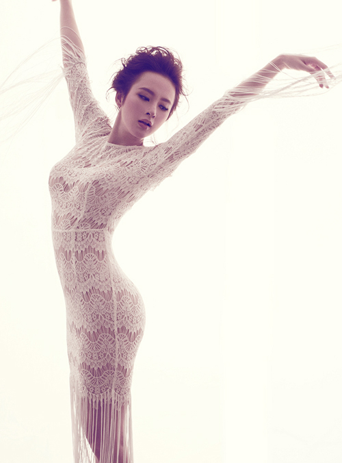 angela-phuong-trinh-the-hien-ngon-ngu-hinh-the-linh-hoat-6