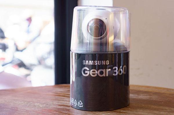mo-hop-camera-samsung-gear-360-gia-7-trieu-dong
