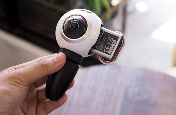 mo-hop-camera-samsung-gear-360-gia-7-trieu-dong-4