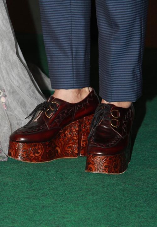 Đôi giày đặc biệt của Trần Triển Bằng, giúp anh ăn gian chiều cao.
