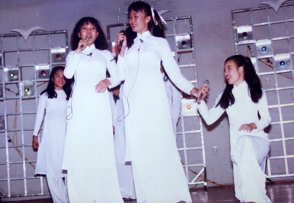 viet-huong-khoe-anh-thoi-thieu-nu-hon-nhien-2