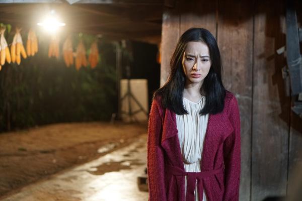 angela-phuong-trinh-chiu-cuc-dong-phim-o-cao-nguyen-9