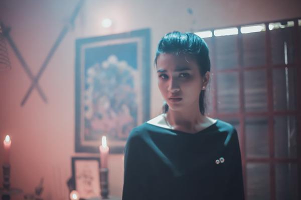 kim-tuyen-doi-dau-hon-ma-trong-phim-moi-3