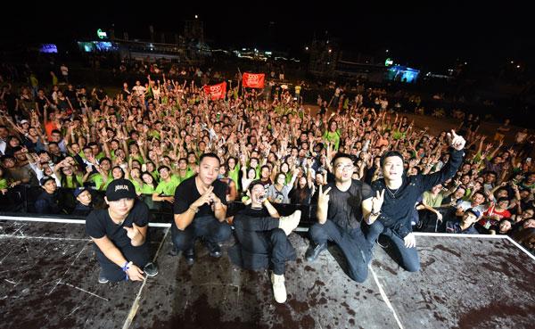 Trong 3 năm liền tổ chức, Quốc Trung đã lôi kéo được nhiều nghệ sĩ quốc tế tên tuổi đến với khán giả Việt Nam với giá vé hợp lý, chỉ hơn 200.000 đồng một vé cho một đêm diễn.