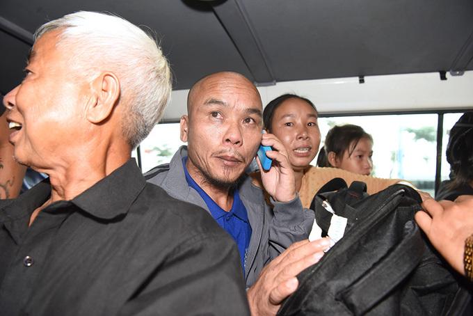 Ba thuyền viên về nước sau 4 năm bị cướp biển giam cầm