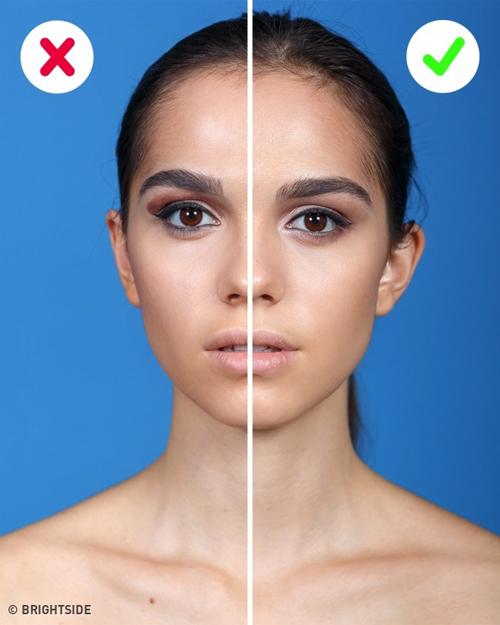 Chỉ nên dùng hai hoặc ba màu mắt và nên phối các màu cùng tone. Dùng quá nhiều màu mắt sẽ khiến đôi mắt trông nặng nề, làm bạn trông già và kém sắc.