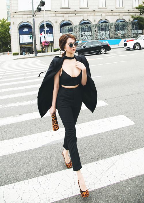 ngoc-trinh-khoe-ve-sexy-tren-duong-pho-seoul-3