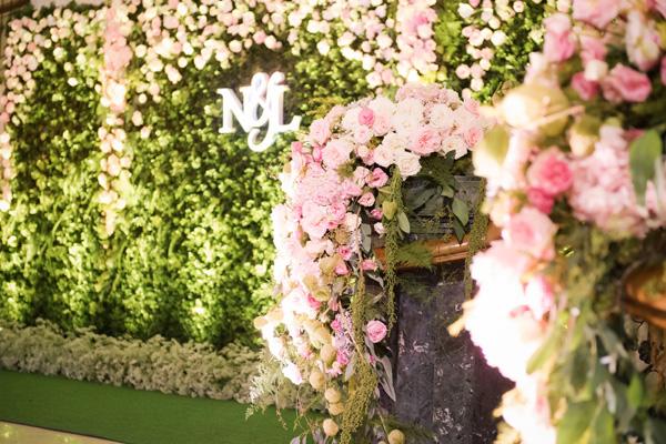 [Caption]Tùng Linh và Tuyết Nga quyết định tổ chức đám cưới vào ngày 11/10