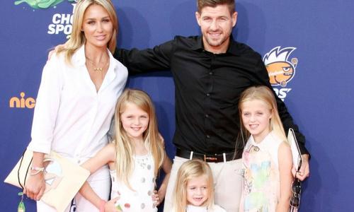 Con gái Gerrard càng lớn càng xinh