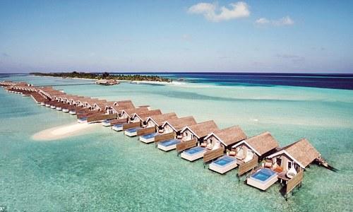 Resort xa hoa, có nhiều bể bơi nhất ở Maldives