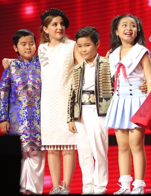 trinh-nhat-minh-doat-quan-quan-giong-hat-viet-nhi-2016-17