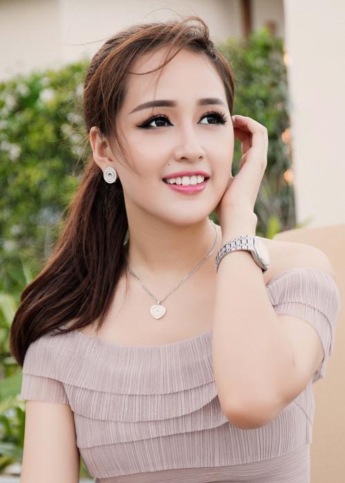 mai-phuong-thuy-xuat-hien-rang-ro-sau-su-co-photoshop-6
