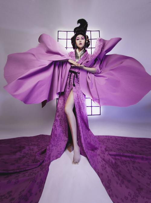 phi-thanh-van-dien-kimono-hoa-nang-geisha-2