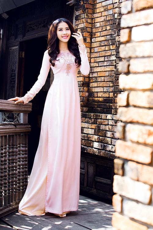 top-8-miss-earth-2016-nam-em-goi-y-ao-dai-cho-ngay-an-hoi