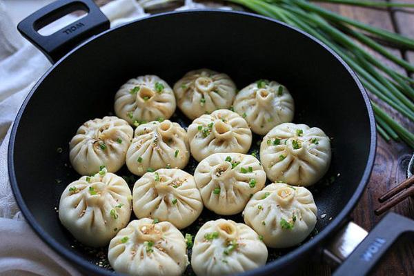 banh-bao-ap-chao-doi-vi