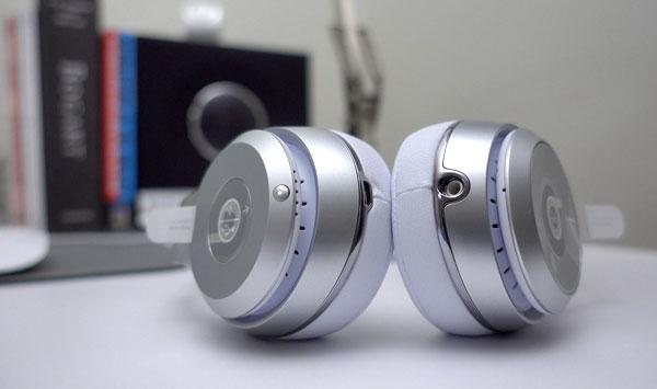 tai nghe đầu tiên tích hợp chip Bluetooth W-1 của Apple là Beats Solo 3 Wireless