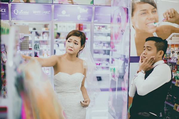Để chuẩn bị cho ngày trọng đại, Thông và Kim Anh đã thực hiện bộ ảnh cưới ngay tại quê hương Đà Nẵng.