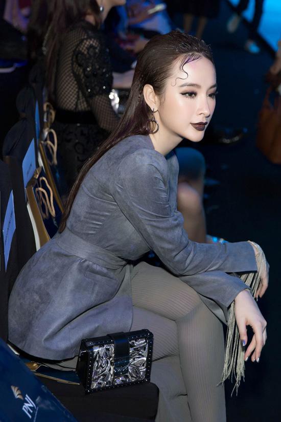 angela-phuong-trinh-khong-mac-noi-y-deo-trang-suc-1-6-ty-5