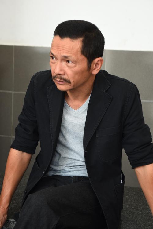 gia-dinh-dong-nghiep-roi-nuoc-mat-trong-tang-le-nsut-pham-bang-3