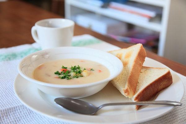 Bữa sáng lành mạnh giúp cơ thể tràn trề năng lượng cho ngày mới.