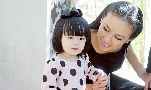MC Huyền Ny chia sẻ cách để sữa mẹ vừa nhiều vừa tốt