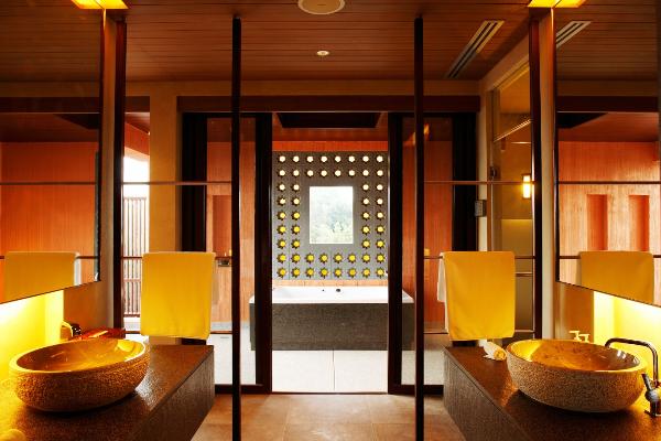 kham-pha-phong-tam-tai-cac-resort-5-sao-trong-rung-xin-edit-6